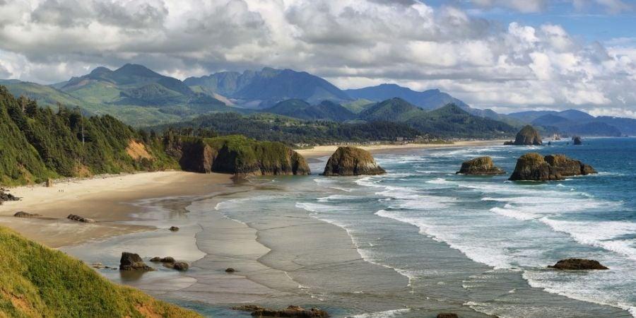 Mountains and beach landscape oregon